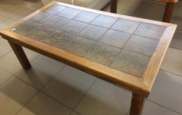 814 stolek s dlažbou