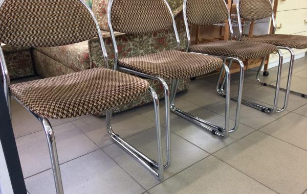 823 židle kovová