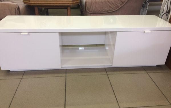 006 Ikea komoda  nízká v bílém lesku 160x42x45cm za 1540Kč