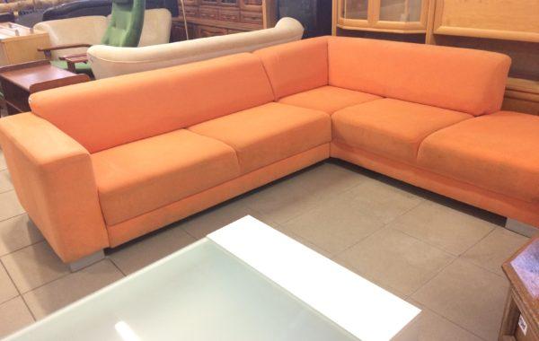 21 moderní rohová oranžová sedací souprava 260x220cm za 4380Kč