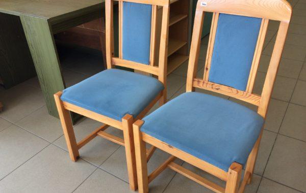 95 čtyři borovicové židle,kus po 400Kč