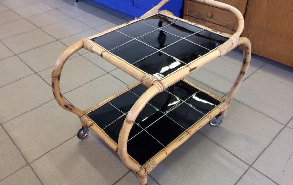 81 elegantní ratanový servírovací stolek 90x50x60cm za 840Kč