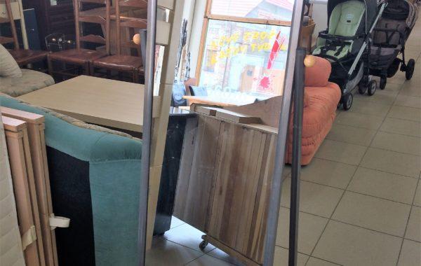 331 vysoké zrcadlo s rámem 55x170cm za 680Kč
