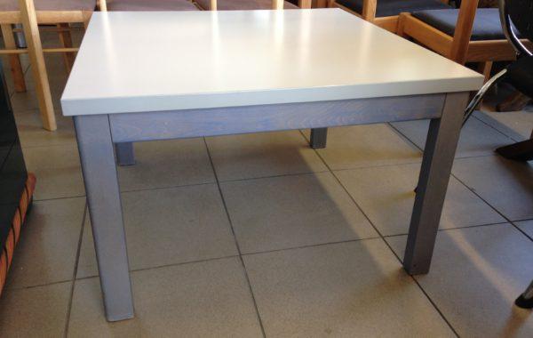 421 konferenční stolek čtvercový – 80x80x51 cm za 1960 Kč