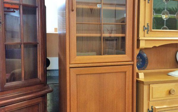 573 dubová policová skříň s prosklením 60x36x200cm vysoká za 1980Kč