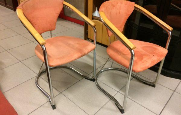 782 stůl   čtyři kovové židle ,kus po 430Kč
