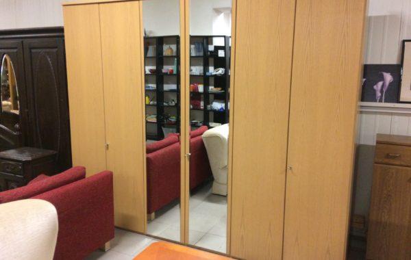 779 Velká šestidvéřová skříň Segmuller se zrcadly 270x58x222cm za 5670Kč