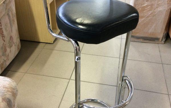 840 chromovaná barová židle s sedátkem z černé kůže,výška 90cm za 670Kč