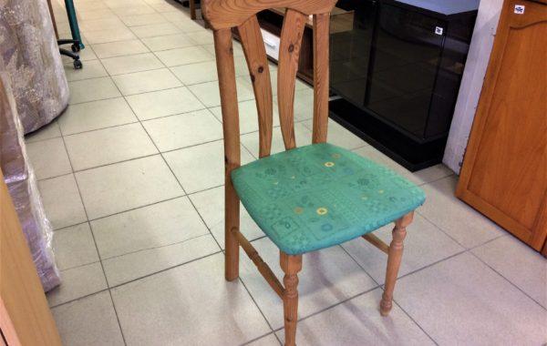 854 čtyři smrkové nelakované židle-jen voskované,kus po 390Kč