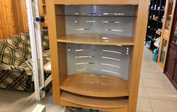 966 skříňka světlá otočná sklo,dřevo+  kov 110x55x155cm za 1950Kč
