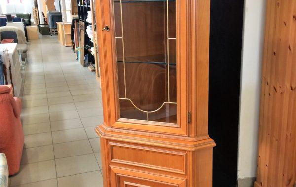 127 Italská rohová leštěná vitrina 53x53x200cm za 3450Kč