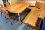 160 velká rohová lavice s masivním stolem+3 židle.Dřevo 5cm dub desky.220x220cm,stůl 130x130cm ,cena za celek 7870Kč
