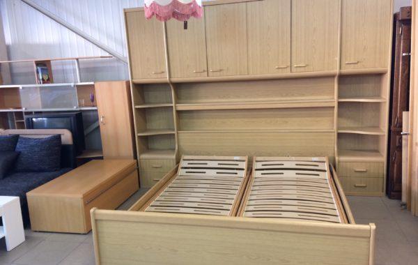 264 ložnicová sestava 290x220cm vysoká s postelí 210x190cm,cena 9860Kč