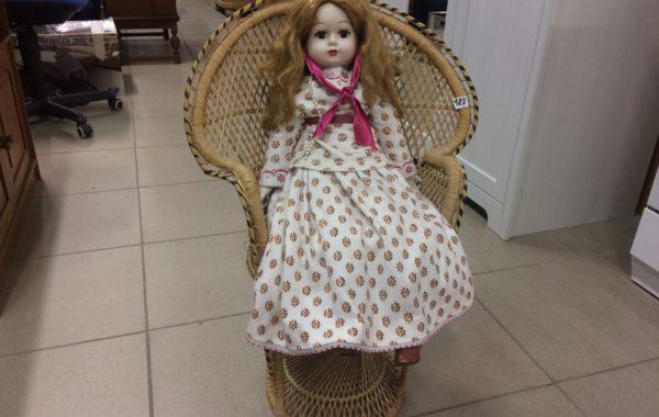 470 panenka s keramickou hlavičkou a křesílkem 75cm za 980Kč