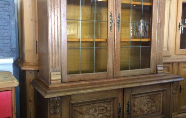 489 vřezávaná dubová komoda dvoudílná 130x45x170cm vysoká za 2980Kč
