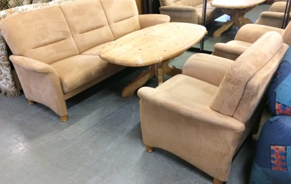 546 Segmuller-polohovací sedací souprava 3+1+1 ,semiš potah,pohovka 205cm ,cene 4890Kč