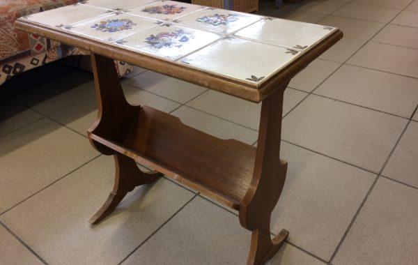 577 odkládací stolík s dlažbou 55x30x55cm za 470Kč
