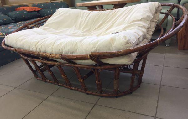786 ratanové oválné velké dvoukřeslo s futonem Thajsko 170cm za 1940Kč