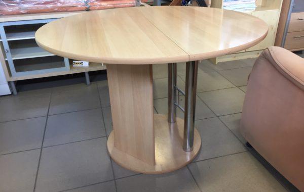 905 velký rozkládací kulatý stůl 110prům.,výška 77,po rozložení 150cm za 2340Kč