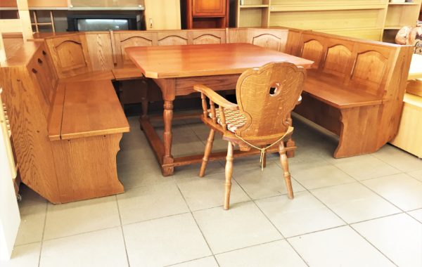 932 dubová obrovská U lavice 280x205cm s úl.prostorem a dubový stůl 122x122cm s polokřesílkem,cena 8670Kč