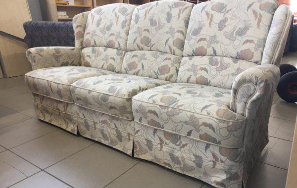 179 květovaná kvalitní značková Německá sofá 200cm za 2630Kč