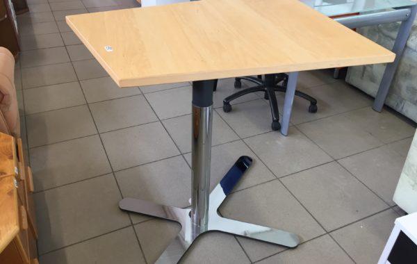 165 stůl designový s vyjížděcí kovovou nohou na pístu 95x65cm za 1590Kč