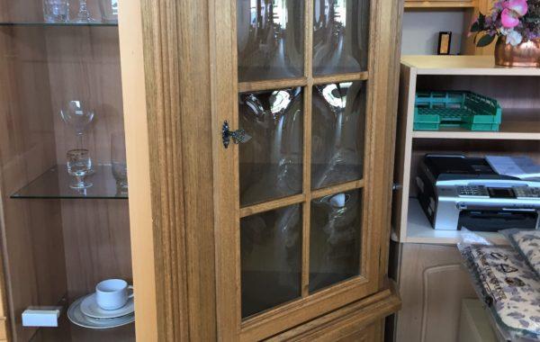 194 rohová rustikální dubová vitrina 50x50x190cm za 2860Kč