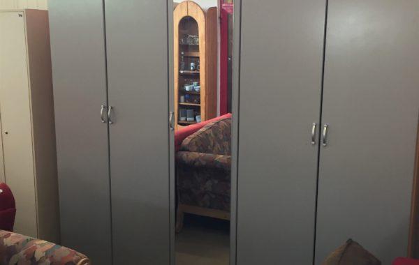 262 pětidveřová velká šatní skříň 230x58x220cm se spoustou polic a úl.prostoru za 4760Kč