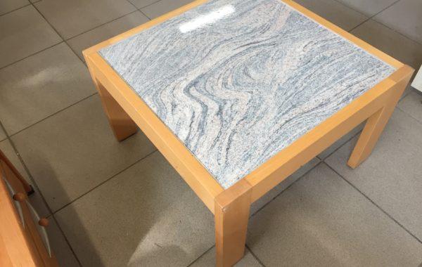 270 konferenční stolek 63x63x40cm za 670Kč