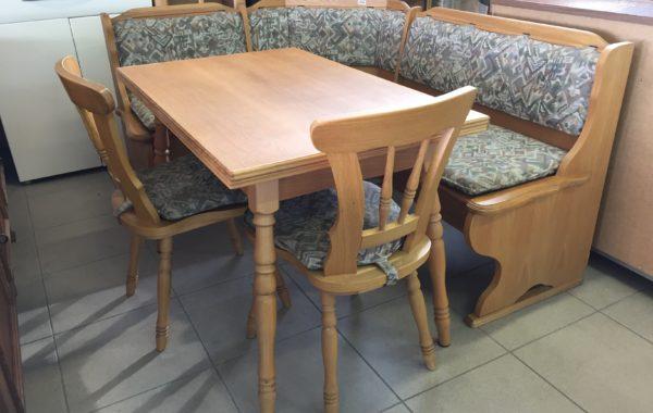 350 dubová rohová lavice130x167cm +rozkládací stůl a dvě dubové židle za 5870Kč