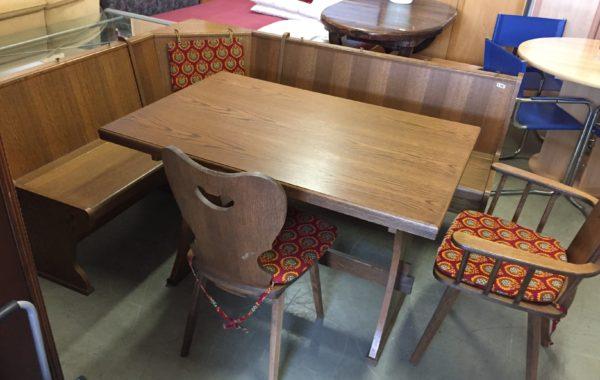 364 rohová dubová lavice 186x146cm s úl.prostorem,rozkládací stůl a dvě židle za 4980Kč