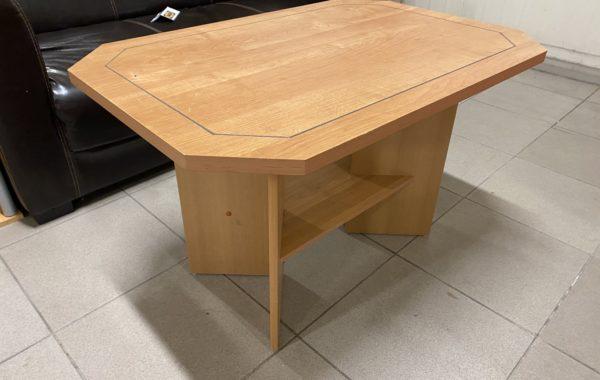 941 konferenční světlý vyšší stolek 94x64x60cm za 940Kč