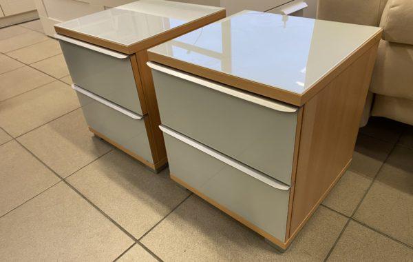 962 dva šuplíkové stolky,kombinace se sklem 40x40x46cm ,kus po 640Kč