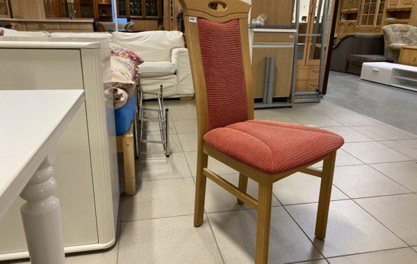 103 čtyři dubové čalouněné židle po 450Kč