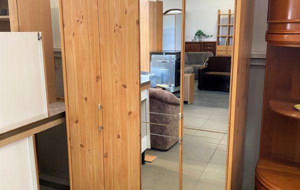 211 dvoudveřová skříň s skládanými zrcadlovými dveřmi 106x55x195cm za 2560Kč
