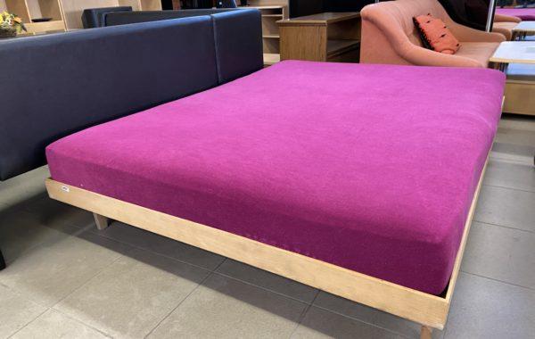 218 dvoupostel dřevěná 150x200cm ,Dormeo matrace a lamelový rošt za 2980Kč