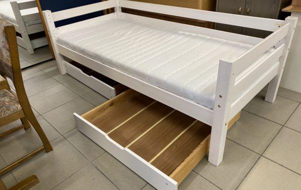 242 smrková bílá postel s dvěma šuplíky ,matrace 200x90cm za 2890kč