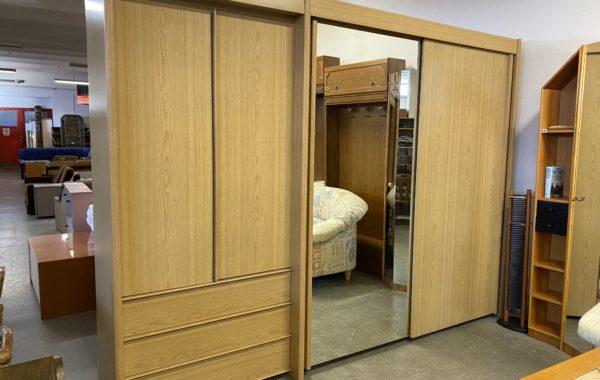 312 velká skříň s posuvnými dveřmi a šuplíky 305x60x222cm za 7470Kč