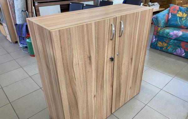 405 dvoudvéřová policová skříňka -odstín bah.dub 110x42x110cm za 2430Kč