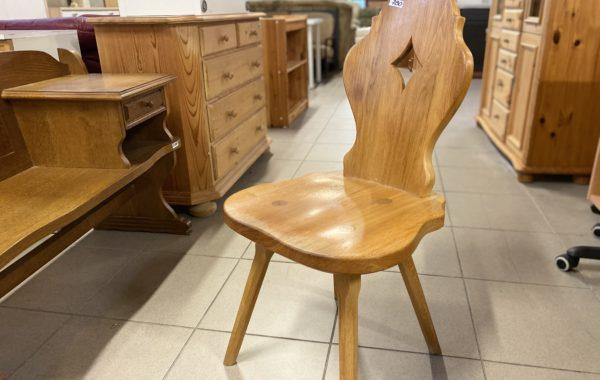 498  dvě dubové židle po 780Kč