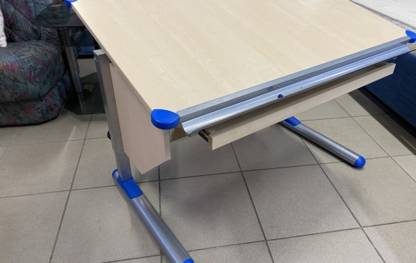 302  psací stolek polohovatelný a výškově stavitelný 110x70cm za 1470Kč