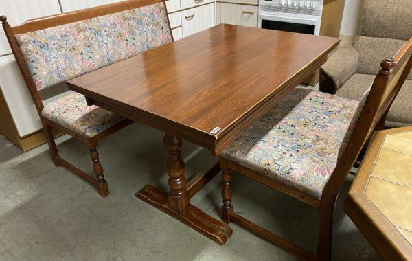 493 dvě čalouněné lavice 120+80cm široké a rozkládací jídelní stůl 120-80-75cm za 3870Kč