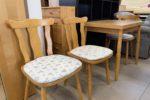 550 tři bukové pevné jídelní židle po 460Kč