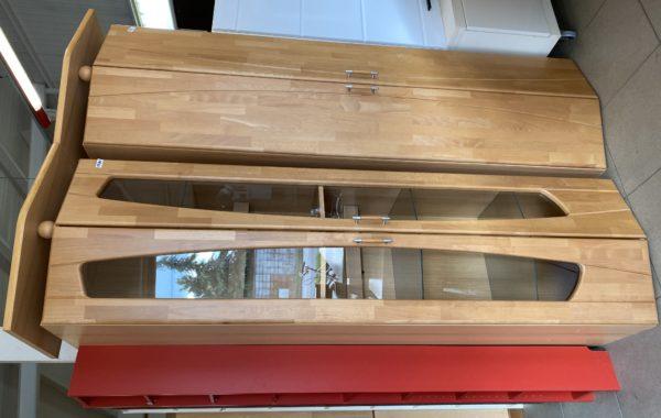 297 dvě vitriny s osvětlením,dubová dvířka 66x53x212cm,po 1870Kč